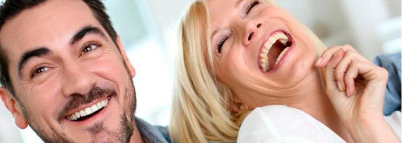sorriso-involuntário:-por-que-temos-vontade-de-dar-risada-em-momentos-impróprios